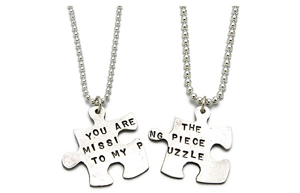 "Pandantiv: ""You Are The Missing Piece To My Puzzle""."