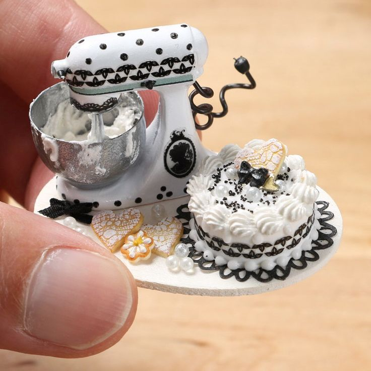 Tiny Kitchen Aid mixer and cake - a black and white themed set.