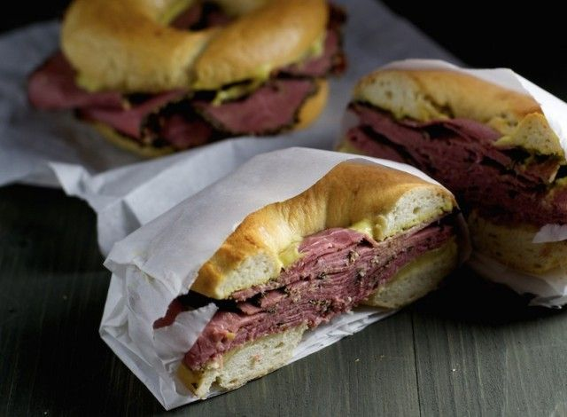 New York Style Pastrami Bagel: Freshly baked bagels, prepared according to the way they are found in the legendary bagel shops in New York City. Topped with savory pastrami, cheese and hot and spicy mustard. Pastrami, a smoked piece of beef coated with spices, is unfortunately not so widespread in some areas that you can find it easily. For the bagels you can of course choose the topping you prefer. #Expo2015