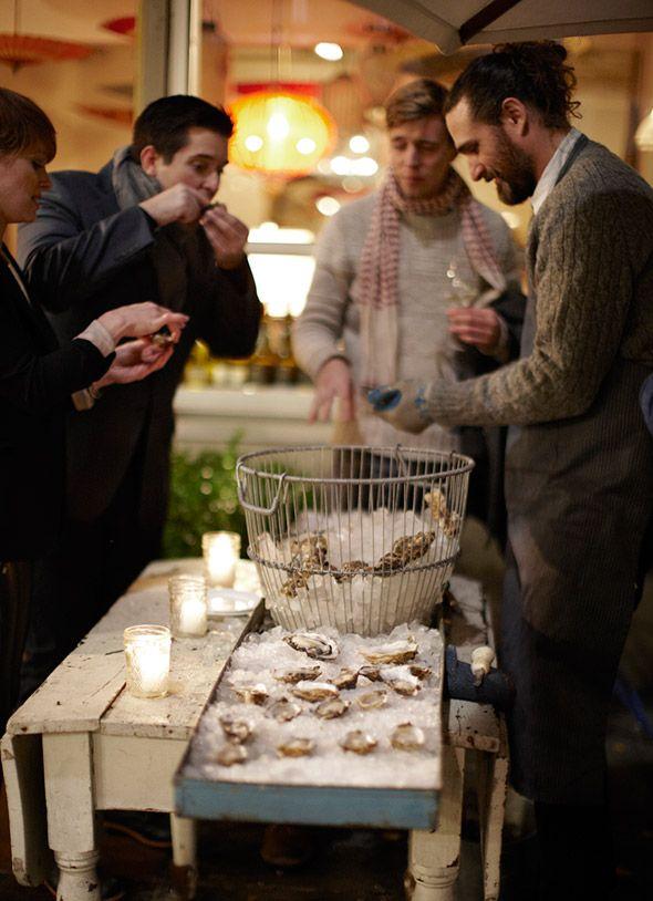 Raw Oysters with Champagne Vinegar Mignonette Recipe
