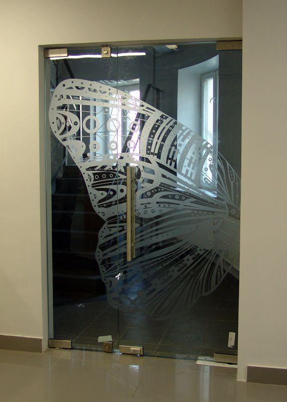 Стеклянные двери. Производство стеклянных раздвижных и межкомнатных дверей. Двери для саун. Под заказ в Санкт-Петербурге.