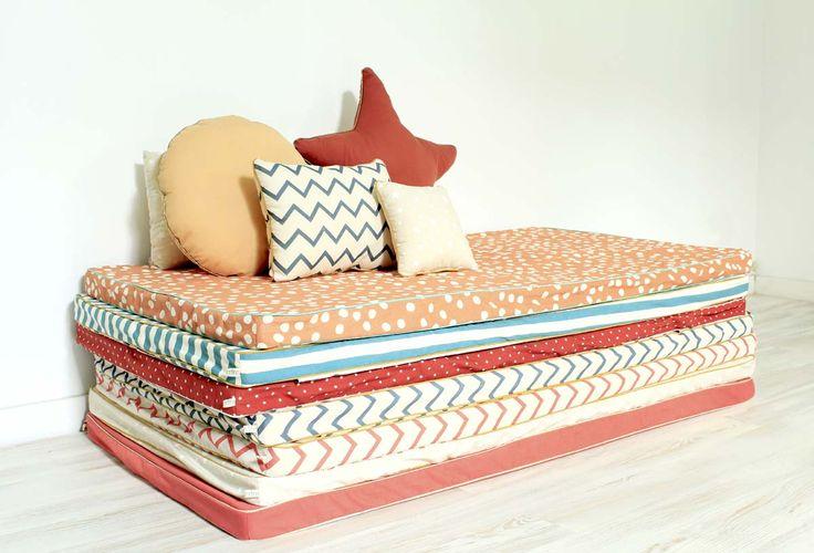 les 25 meilleures id es concernant matelas de sol sur. Black Bedroom Furniture Sets. Home Design Ideas