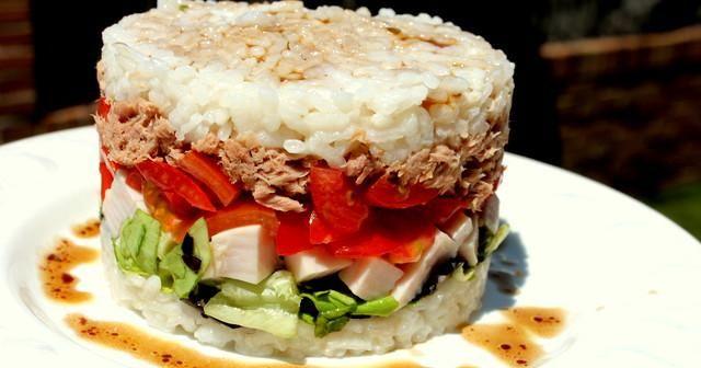 El arroz no solo sirve para hacer paella. ¡Mira esta ensalada!