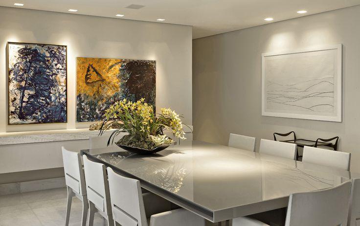 Decoração de: Sala de jantar - mesa de jantar retangular branca; Casa de Valentina