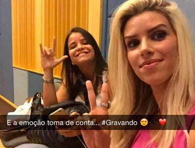 Thábata começa as primeiras gravações com Banda Calypso http://www.jornaldecaruaru.com.br/2015/11/thabata-comeca-as-primeiras-gravacoes-com-banda-calypso/ …