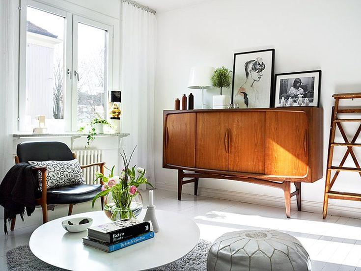 midcentury, living room, white walls