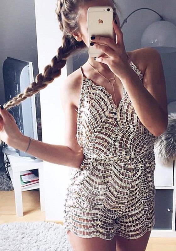 Silver Patchwork Sequin Fashion Plunging Neckline Spaghetti Strap Sexy Short Jumpsuit