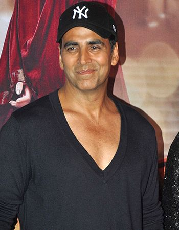 Blood donation camps organised by fans on Akshay Kumar's birthday!