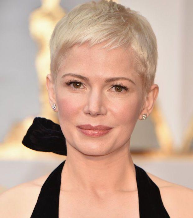 Les plus belles mises en beauté des stars aux Oscars 2017 | michelle w | Cheveux courts 2017 ...