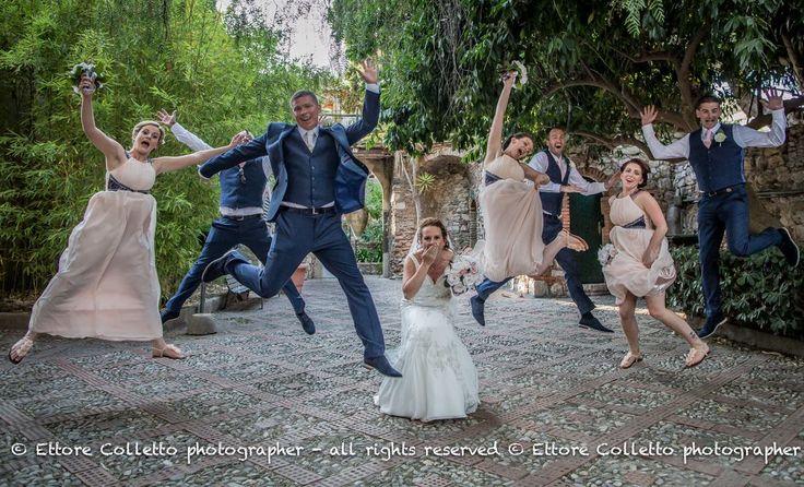 Fun and.... JUMP!!! Ettore Colletto - fotografo per matrimoni Irish wedding in Taormina