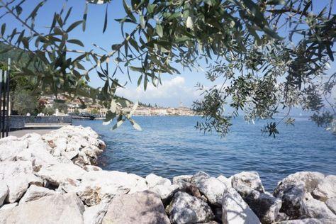 Walking In Lake Garda- Lungolago Salo