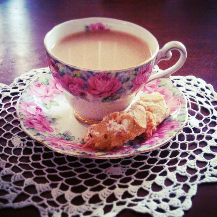 a break just isn't a break without a cup of tea. oh, and a sneaky little biscotti too...