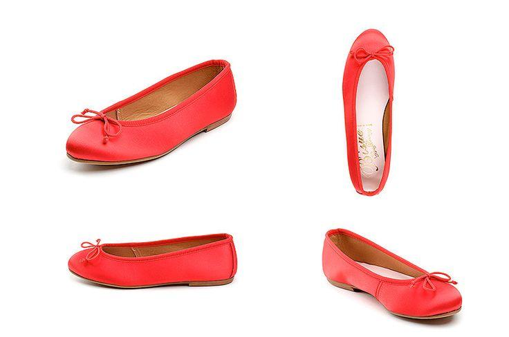 Bailarinas rojas de la marca Bisue. Fotografia: Kinoki studio