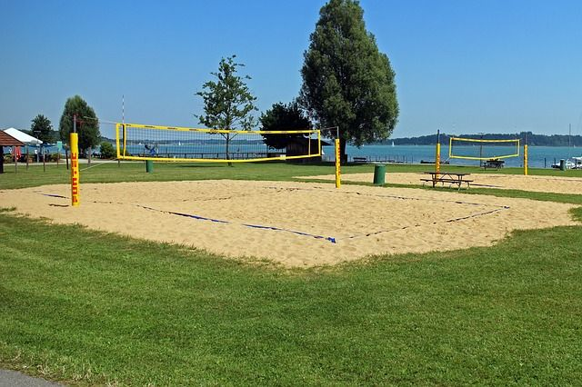 Terrain de beach-volley.