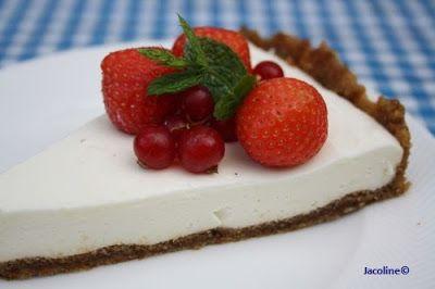 Kwarktaart koolhydraatarm en glutenvrij  Heerlijk zo'n taart! Met verse vruchten een bodem van amandelmeel........