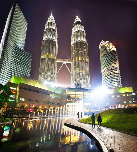 Petronas Twin Tower or Petronas KLCC - An exclusive invitation call upon by the Malaysia Tourism n the co-host Authority, Suria KLCC Kuala Lumpur, is a great pleasure n wonderful networking exposure to be part of the event with all concern fellow aut