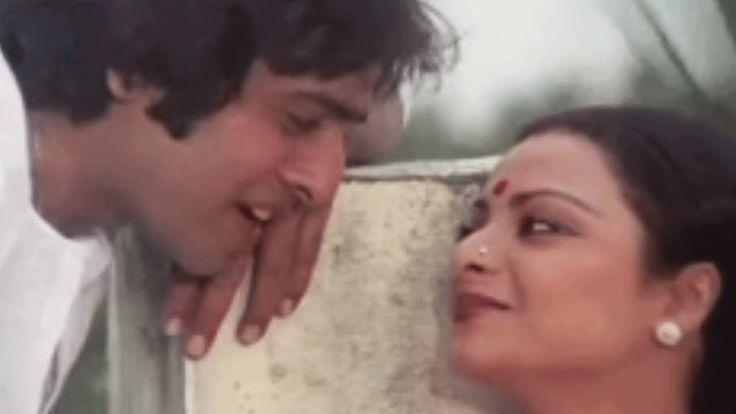 Aap Ki Ankhon Mein Kuch - Vinod Mehra, Rekha, Ghar Song (duet)