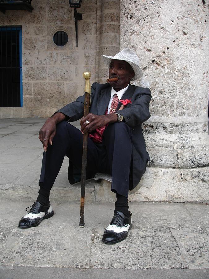 """In Havana Cuba ...  """"El secreto de una buena vejez no es otra cosa que un pacto honrado con la soledad""""."""