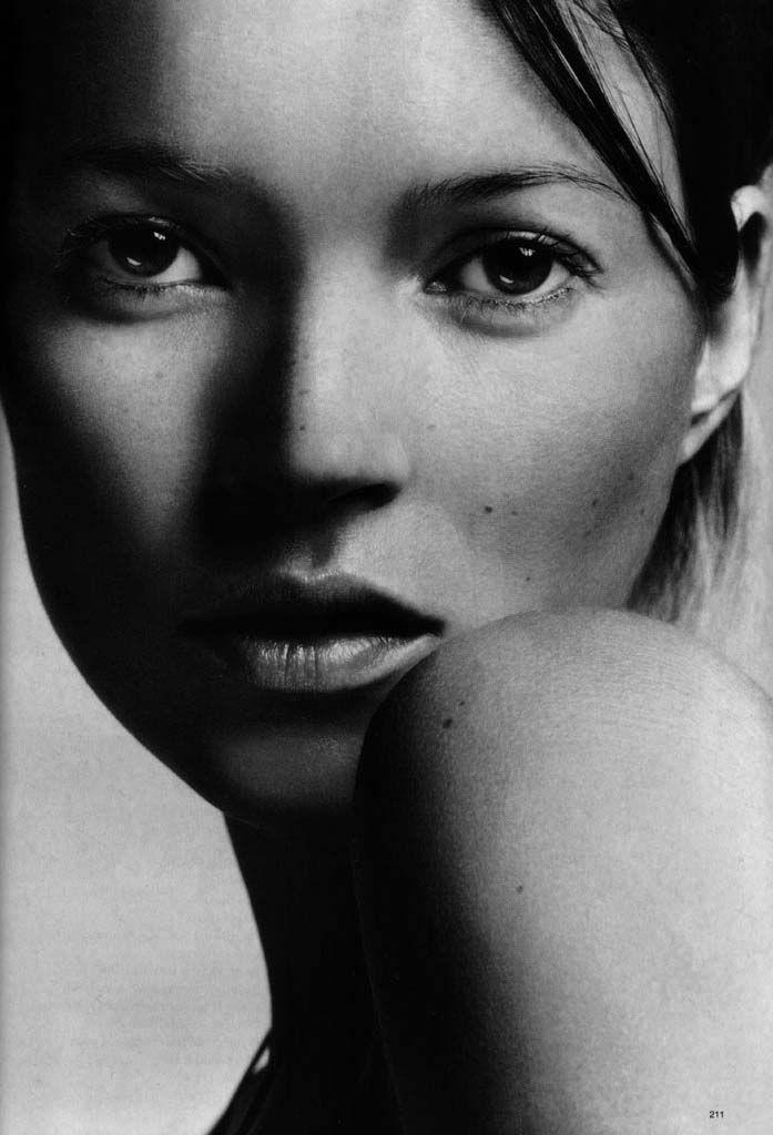 Kate Moss by Sølve Sundsbø.