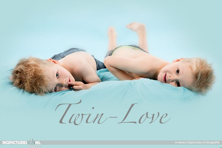 Children photography - twins - twin love - in2pictures photography  Kinderfotografie  www.in2pictures.nl #kidsphotography #childrenphotography #child #boys #photography #kinderfotografie #jongens #tweeling