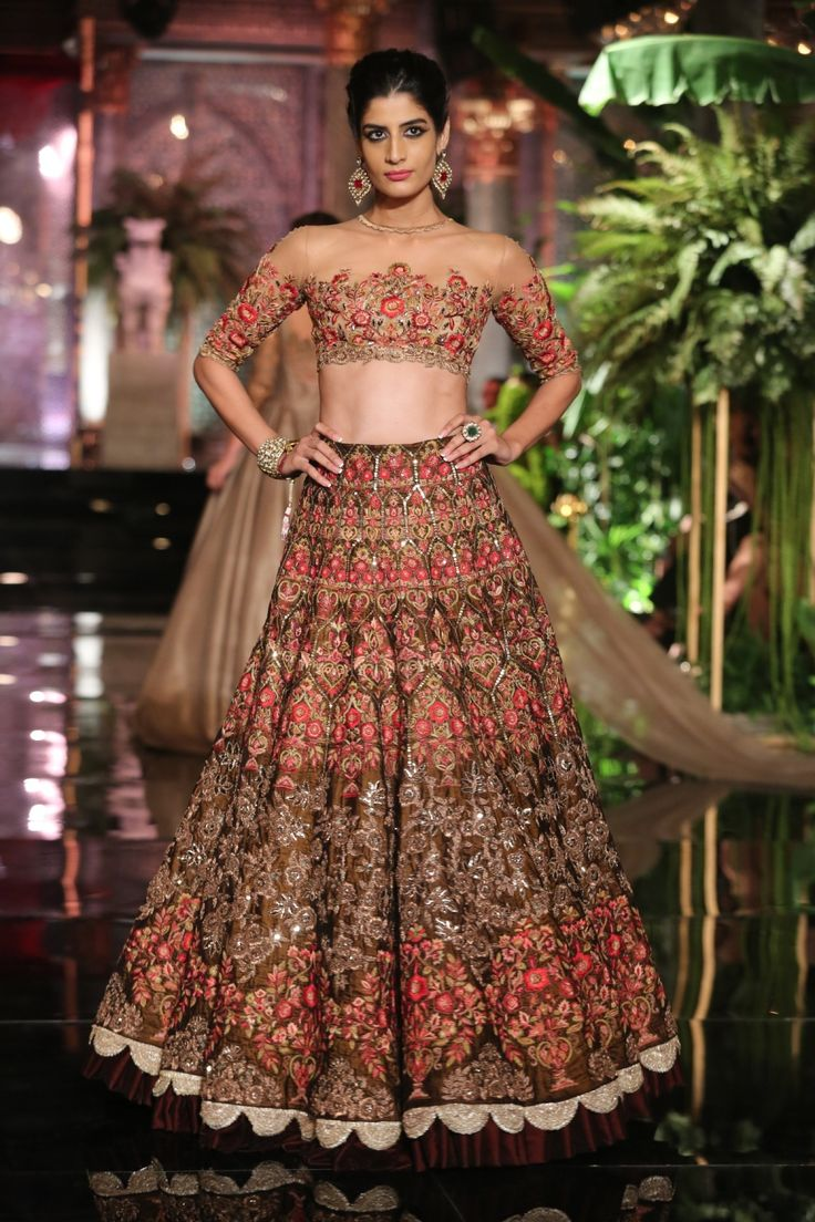 Manish Malhotra Opens FDCI  India Couture Week 2016 with 'The Persian Story' -cosmopolitan.in