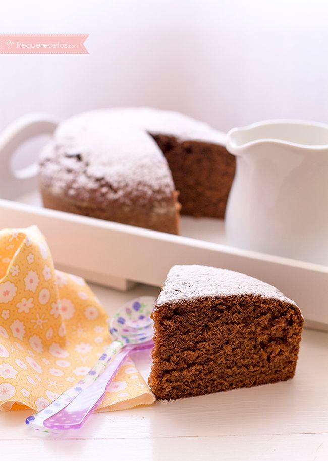 Bizcocho de chocolate con cacao , Bizcocho de chocolate con cacao. Una receta de bizcocho de chocolate tan fácil que es ideal para cocinar con niños. No os perdáis este bizcocho.