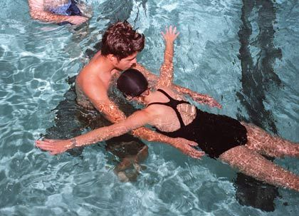 Are you a beginner swimmer? Here are 10 tips for new swimmers: