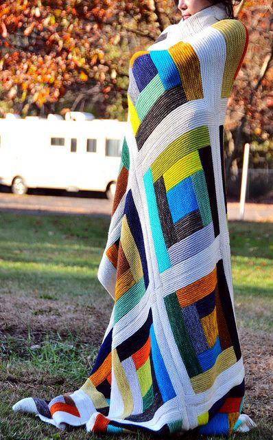 #FreePattern http://www.ravelry.com/patterns/library/learn-to-knit-a-log-cabin-blanket jettshin's Blanket of Love