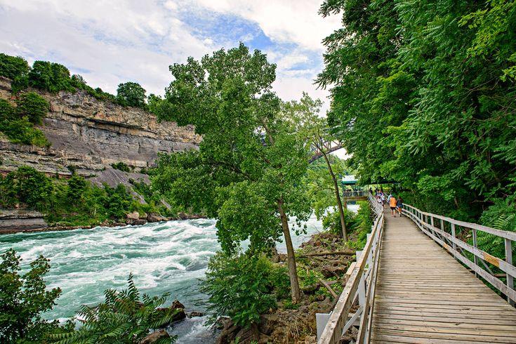 Epic boardwalk near Toronto - White Water Walk niagara