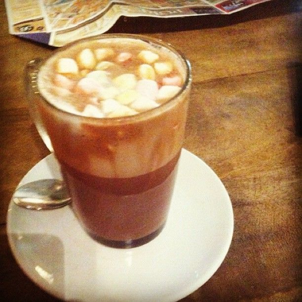 #HotChocolate served with #Marshmallows at #Wonderpots #Georgenstraße #Berlin #Instagrammemories thanks to illy86 ;-) www.wonderpots.com