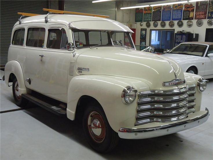 1951 CHEVROLET SUBURBAN CARRYALL Lot 3005 | Barrett-Jackson Auction Company