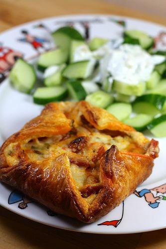 Feuilletés au chorizo (Béchamel, pâte feuilleté, chorizo fort, échalote, épices au choix, ciboulette, Sel, poivre)