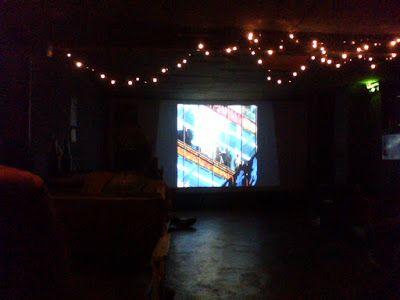 """Registro da exibição do filme """"Ghost in the Shell"""" na mostra gratuita """"Cine CQM"""", realizada pelo Clube dos Quadrinheiros de Manaus em 29/10/2015 no Mao Hostel."""