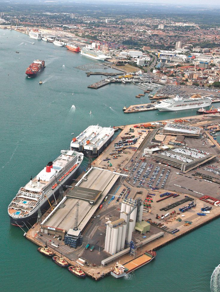 PORT OF SOUTHAMPTON | SOUTHAMPTON | HAMPSHIRE | ENGLAND: *Passenger & Cargo Port; Located in in Southampton Water*