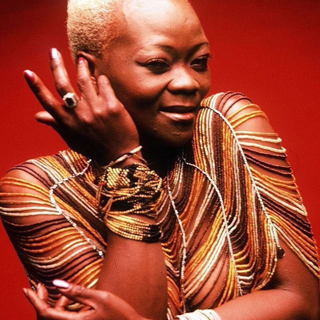 This is for Yesterday.  When Queen Brenda would have been only 52.  Salut! ❤️❤️❤️❤️❤️ #BrendaFassie #MaBrrrrr #welovebrendafassie