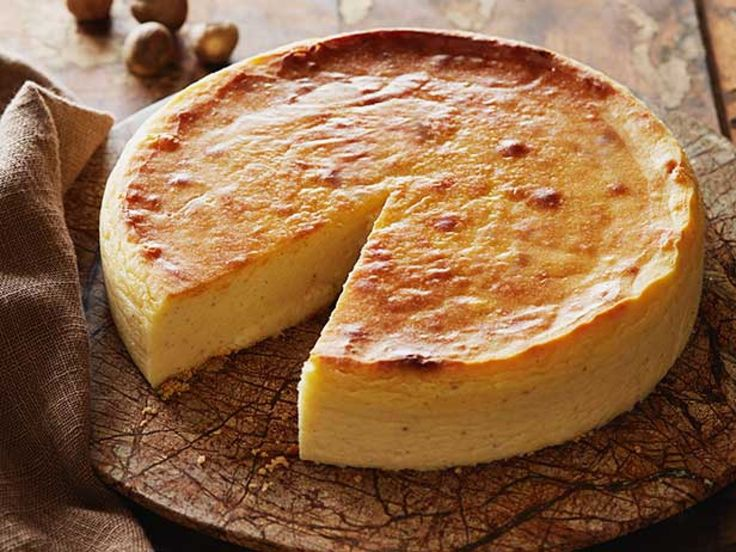 Nutmeg Cheesecake : The trio of nutmeg, vanilla and almond extract makes this cheesecake rich with fall flavors.