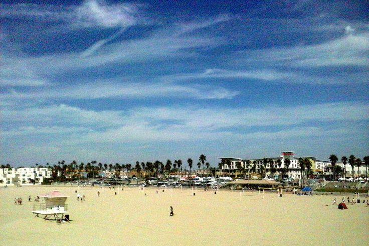 Autor: Piervi Fonseca | Série: Paraíso do Surf | Ano: 2012 | Título: Praia Pintada | Descrição: Praia de Huntington Beach, localizada no litoral do Condado de Orange, no estado norte-americano da Califórnia.