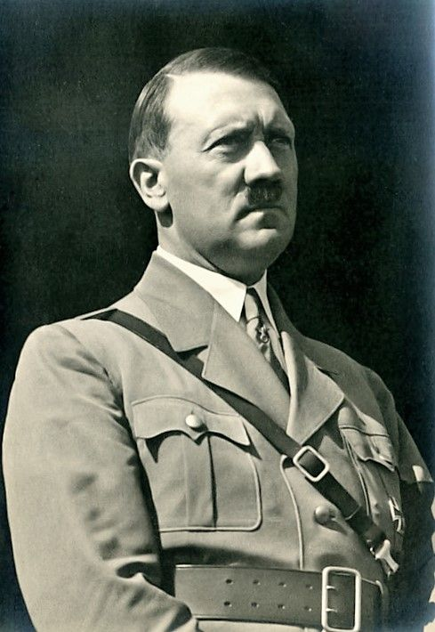 Majestic Hitler photo from September, 1933. He's got something poking out of his left breast pocket, see? (via putschgirl)