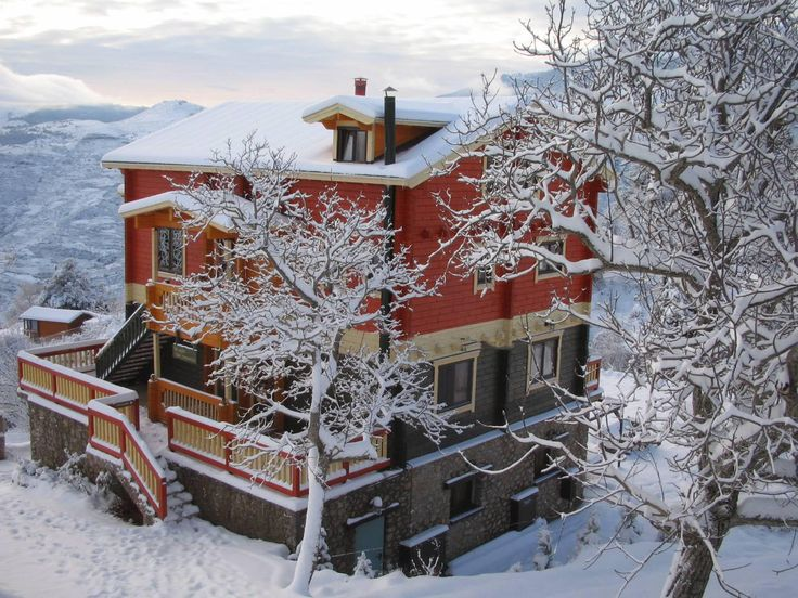 Trikala Korinthias - bed and breakfast - rent rooms - hotel   Colours Chalet