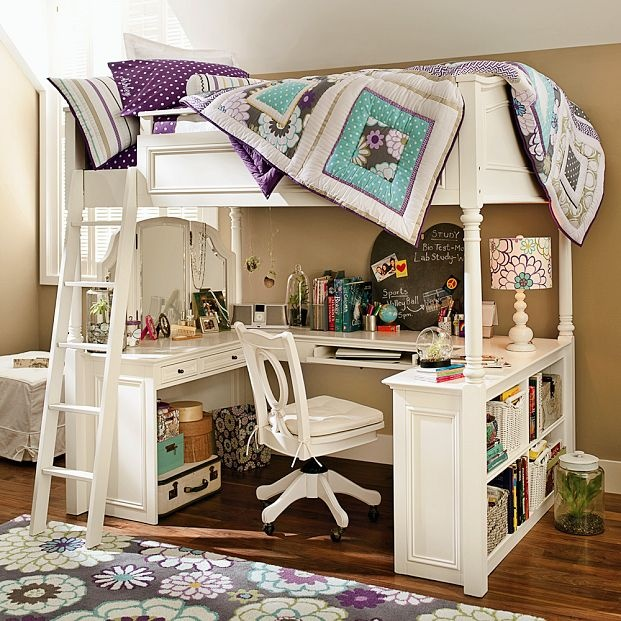 Girl 39 s bedroom i 39 m liking that quilt rug kiddos pinterest teenagers desk ideas and nice - Nice girls rooms ...