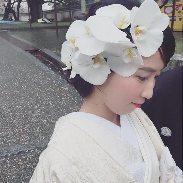* * 白無垢 × 胡蝶蘭 * * #ヘアアレンジ #ウェディング #マリhair
