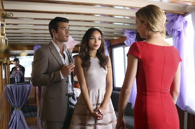 #Revenge #ABC Ashley Madekwe in an Alaia dress (with Josh Bowman and Emily VanCamp)