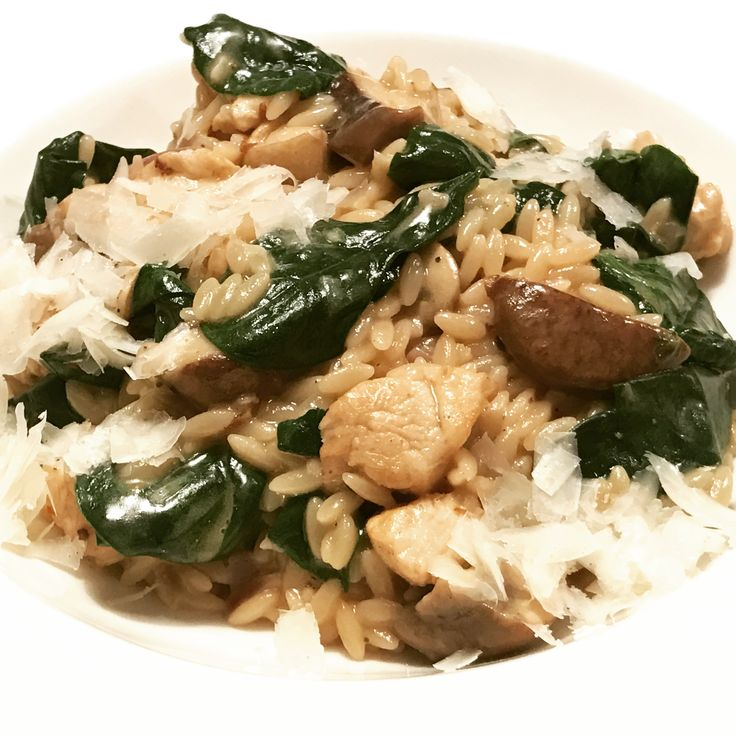"Orzo con pollo, funghi e spinaci. Creamy riso pasta with chicken, mushrooms and spinach. Great with Barbera d'Asti Superiore ""Lurëi"" from Tenuta Il Falchetto."