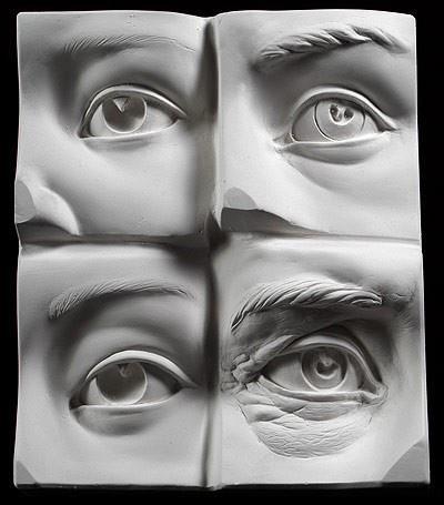 Deze ogen heb ik gekozen om te kijken welke ogen ik wil maken. Ik heb nog meer afbeeldingen en tekeningen van ogen dus ik moet nog kijken welke ik ga doen.