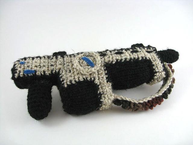 Crochet Gears of War Lancer.