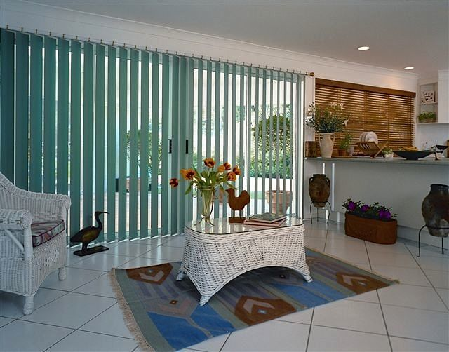 Roller & Vertical Window Blinds Gold Coast, Holland Blinds Tweed Heads  Affordable Blinds And Shutters 13 Beaconsfield Drive Burleigh Waters  QLD 4220 Phone: (07) 5520 6362 Email: phil.allen.63@bigpond.com Website: http://affordableblindsandshutters.com.au