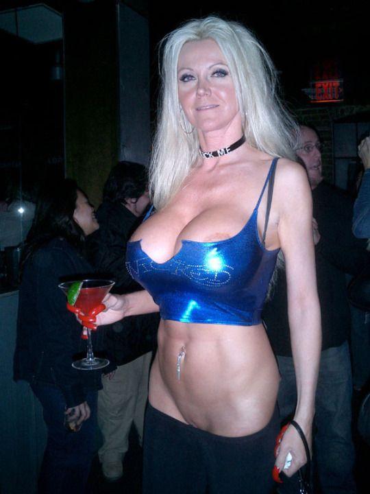 Bar slut exhibitionists   board   Pinterest   Femme blonde ...