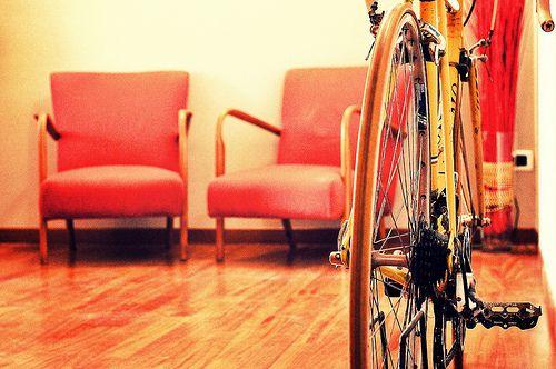 c'è una bici nell'ufficio