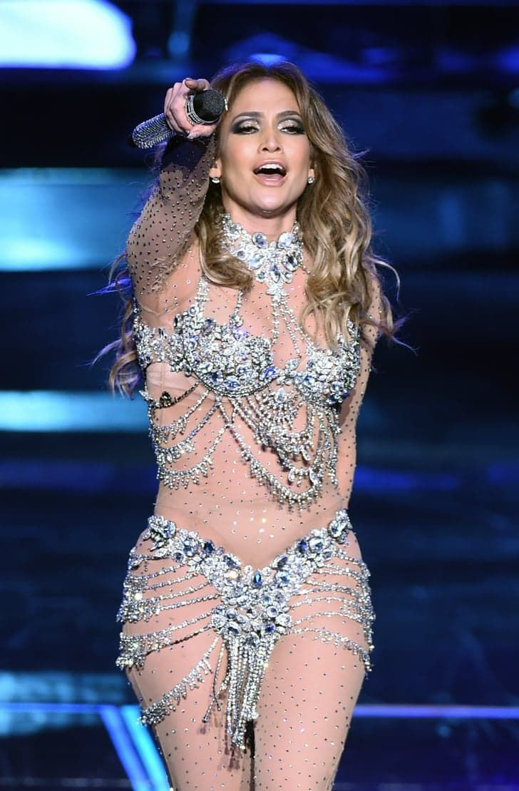 Pin for Later: Jennifer Lopez's Latest Performance Was So Sexy, She Managed to Make Las Vegas Blush