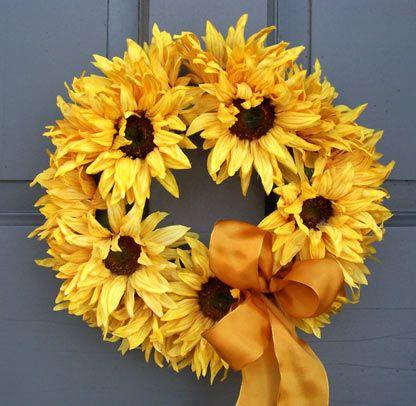 SunflowersSummer Crafts For Decor, Summer Front Doors Decor, Sunflower Wreaths, Crafty, Summer Sunflowers, Sunflowers Wreaths, Front Doors Summer Decor, Summer Wreaths For Front Doors, Summer Flower Wreaths